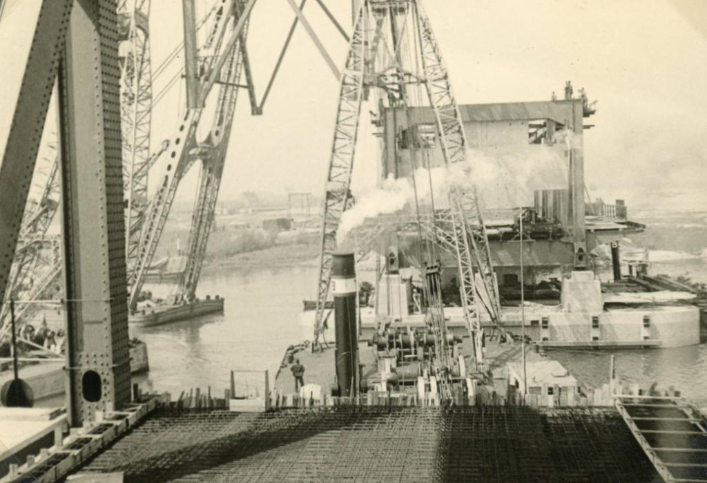 De aanleg ging sneller dan de drie jaar die er voor uitgetrokken was. Foto: Streekarchief Voorne-Putten © GrootNissewaard.nl