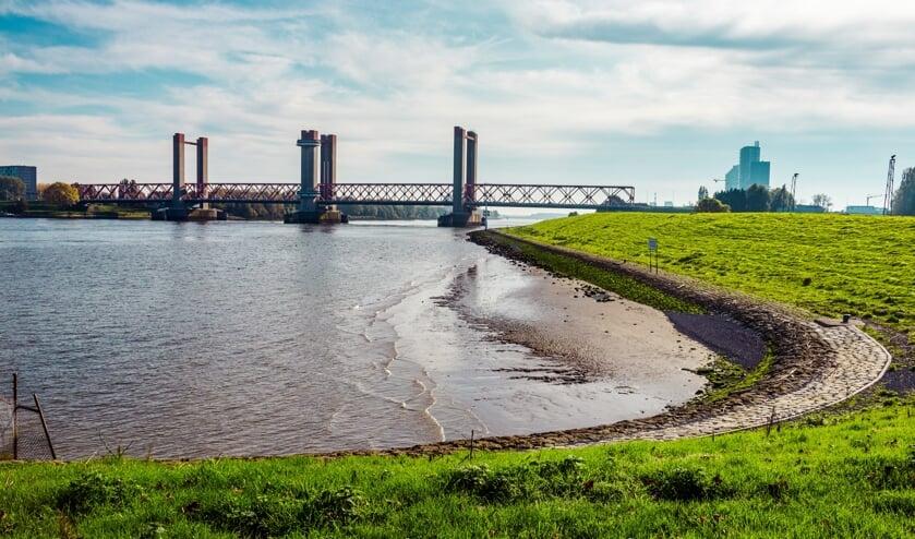 <p>De Spijkenissebrug Foto: Remie Kranendonk   REEM.</p>