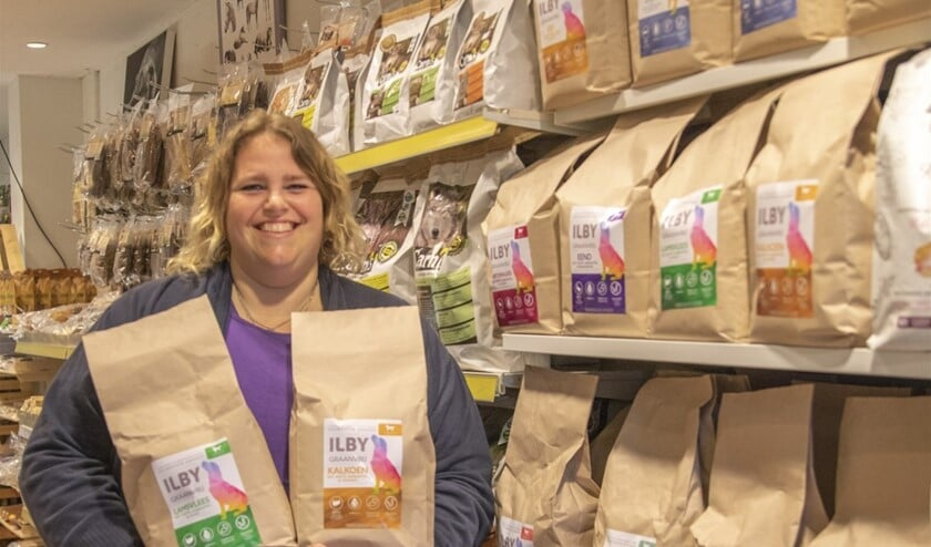 <p>Pom&#39;s Paradise verkoopt Ilby honden- en kattenvoeding (Foto: Wil van Balen)</p>
