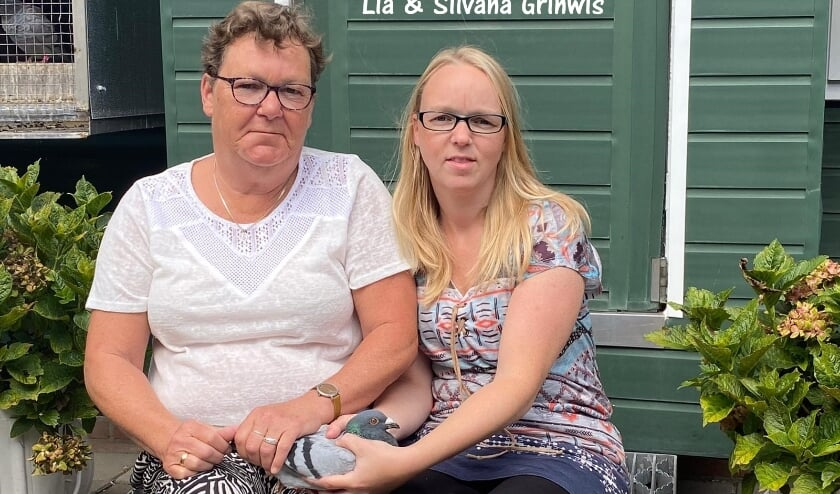 <p>In Ouddorp, op de kop van het eiland, wonnen Silvana en Lia Grinwis de eerste prijs van deze Ladies League vlucht.</p>