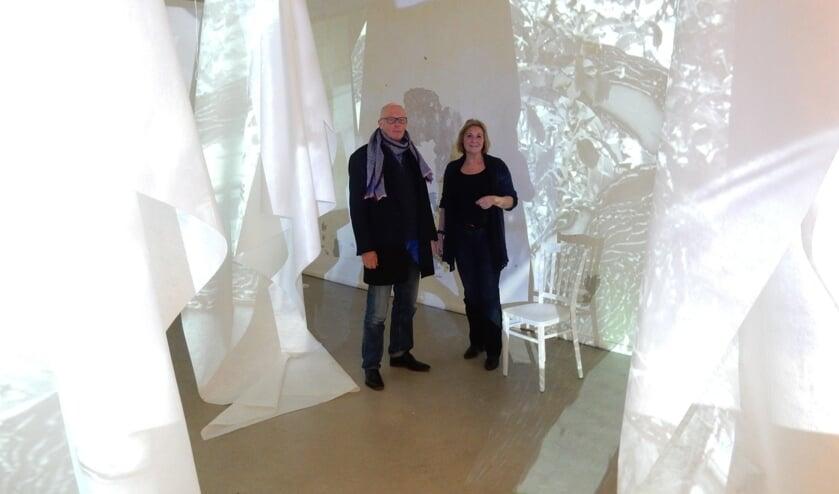 Kunstenaars Gerrit Bruins en Jolanda Peeters.