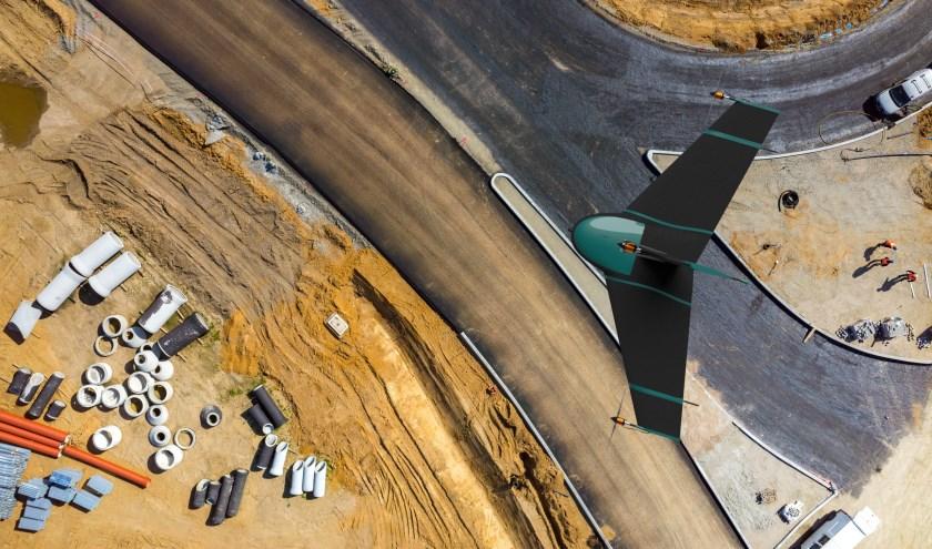 De nieuwe drone van het Delftse bedrijf Atmos UAV kan de oppervlakte tot tien keer sneller inmeten.