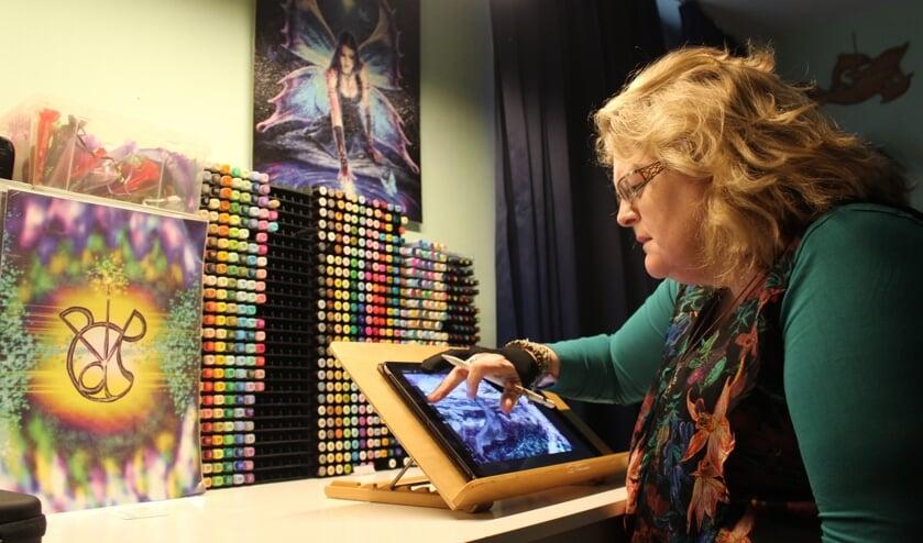 Tereza maakt ook spirituele kunst. (Foto EvE)