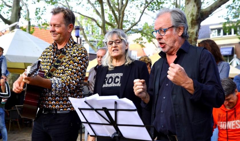 Foto's protest tegen het muziekbeleid in de stad