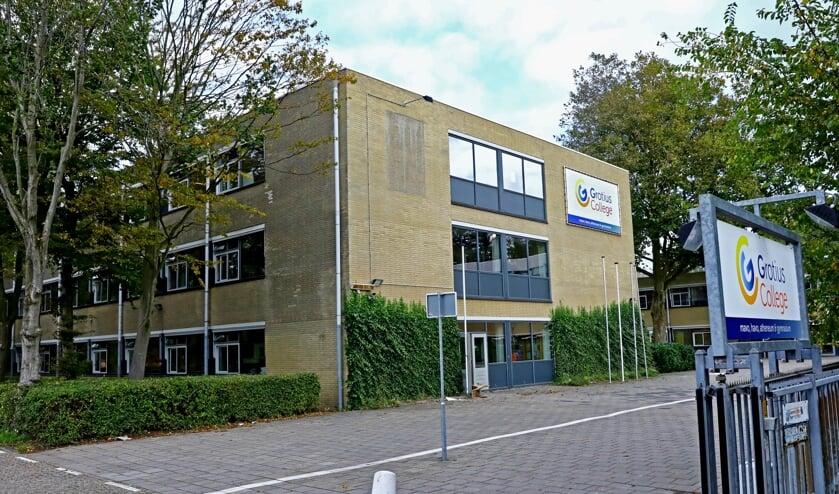 <p>Om faillissement te voorkomen heeft de gemeente besloten de scholengemeenschap 1,5 miljoen euro te lenen (Foto: Koos Bommel&eacute;)</p>