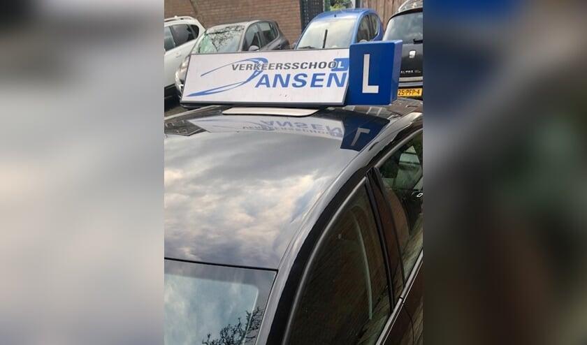 <p>De lesauto van Verkeersschool Jansen, zit jij straks ook achter het stuur?</p>
