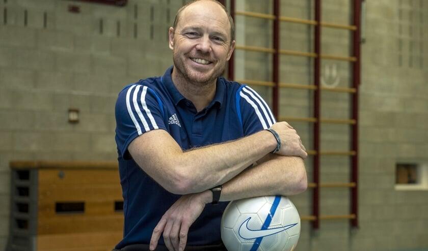 Richard Veldhuis is vijf dagen in de week in de gymzaal te vinden. (foto: Roel van Dorsten)