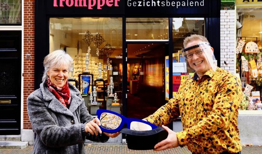 <p>Maarten van Woerden met winnares Silvia de Jong (Foto: Koos Bommel&eacute;)&nbsp;</p>