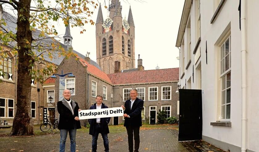 <p>Theodor van der Lans, Erwin Stoelinga en Aad Meuleman presenteren de nieuwe naam (Foto: Koos Bommel&eacute;)</p>