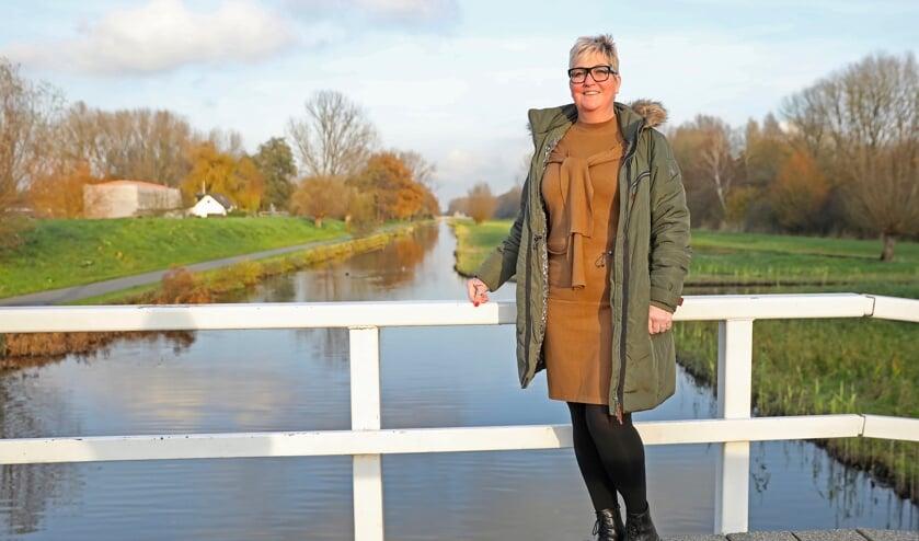 <p>Nelleke staat ondanks alles heel positief in het leven (Foto: Koos Bommel&eacute;)</p>