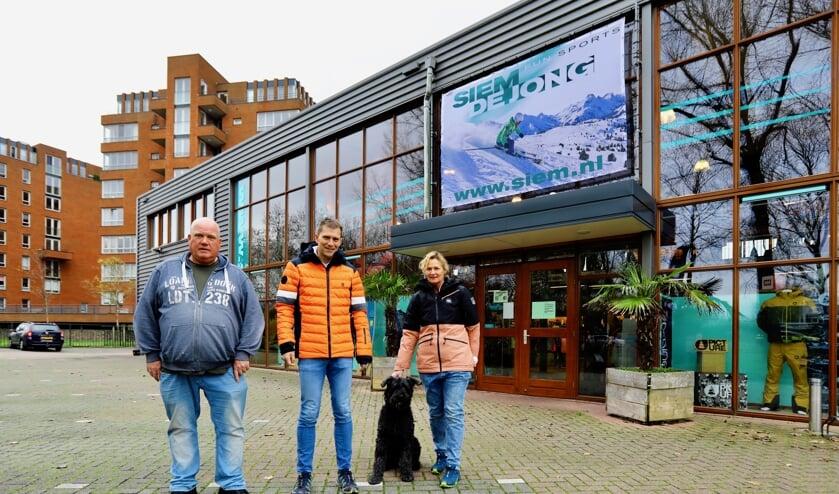 <p>Het huidige pand van Siem de Jong Funsports (Foto: Koos Bommel&eacute;)</p>