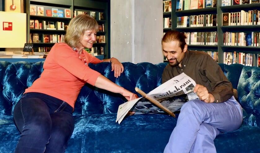 Arina ondersteunt taalvragers bij het verbeteren van de Nederlandse taal (Foto: Koos Bommelé)