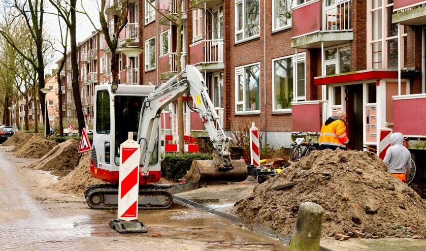 <p>De broze gasleidingen worden vervangen, maar niet alle buurtbewoners zijn daarvan op de hoogte. (Foto: Koos Bommel&eacute;)</p>