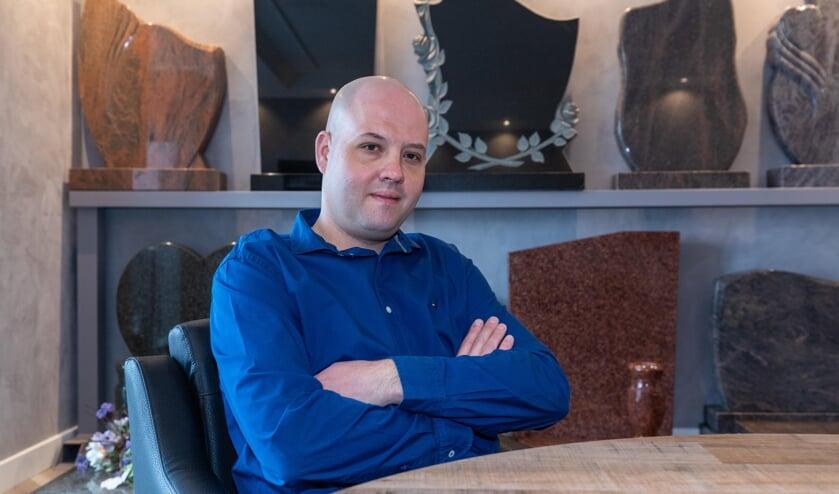 <p>Marco Bosch helpt u graag bij het kiezen van een passende gedenksteen of grafmonument.</p>