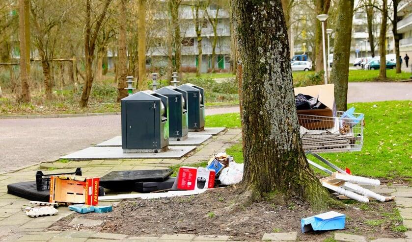 <p>Volgens woningcorporaties is de kans groot dat het stopzetten van de gratis ophaalservice leidt tot verloedering rond de wooncomplexen (Foto: Koos Bommel&eacute;)</p>