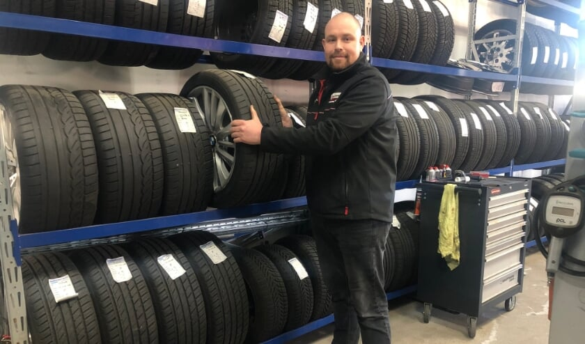 <p>Roel Kruithof, servicemanager bij Idenburg Car Solutions</p>