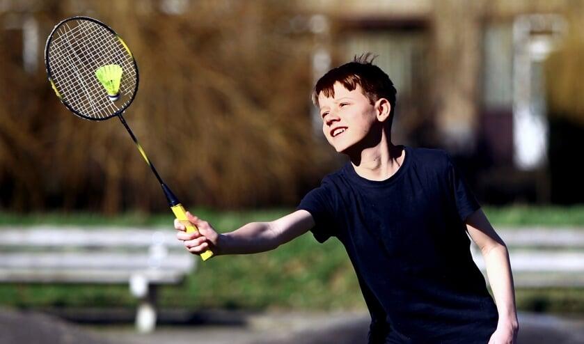<p>Thijs hoopt snel weer de zaal in te mogen om te badmintonnen (Foto: Koos Bommel&eacute;)</p>
