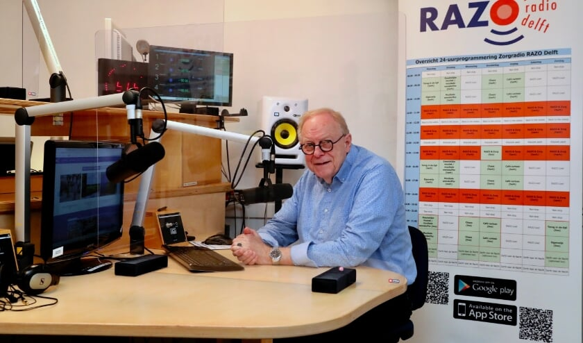 <p>Herbert Tieleman in de studio van RAZO (Foto: Koos Bommel&eacute;)</p>