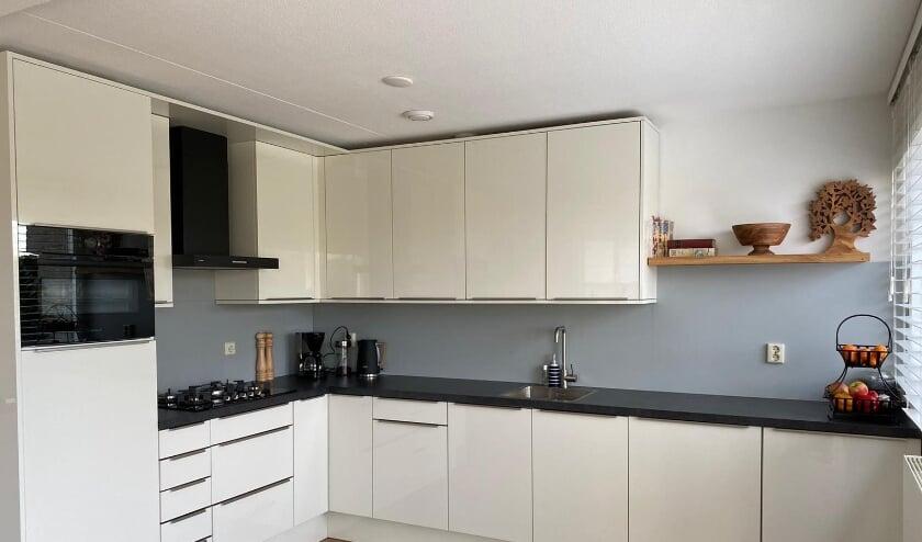 <p>Keuken na renovatie (Foto; PR)&nbsp;</p>