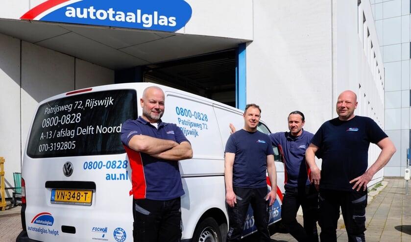 <p>Het team van Autotaaglas Rijswijk (Foto: Koos Bommel&eacute;)</p>