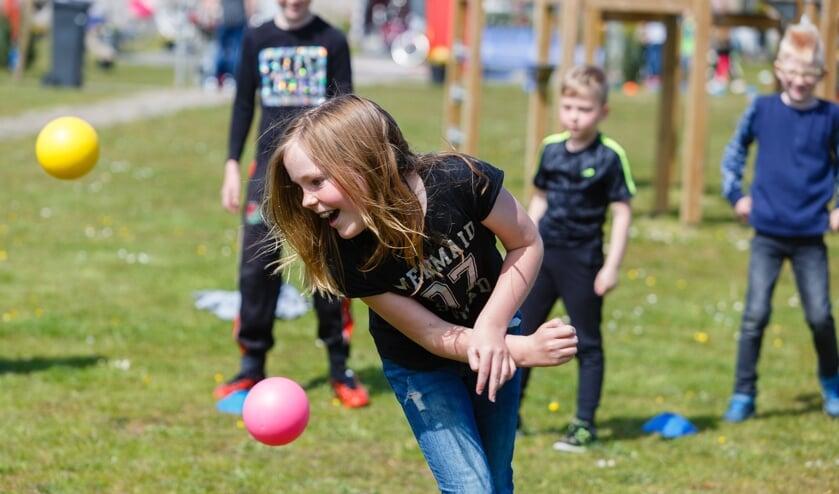 <p>De lessen worden begeleid door professionele coaches en zijn er voor kinderen in de leeftijd van 6 tot en met 12 jaar&nbsp; (Foto: Simon van der Woude)</p>