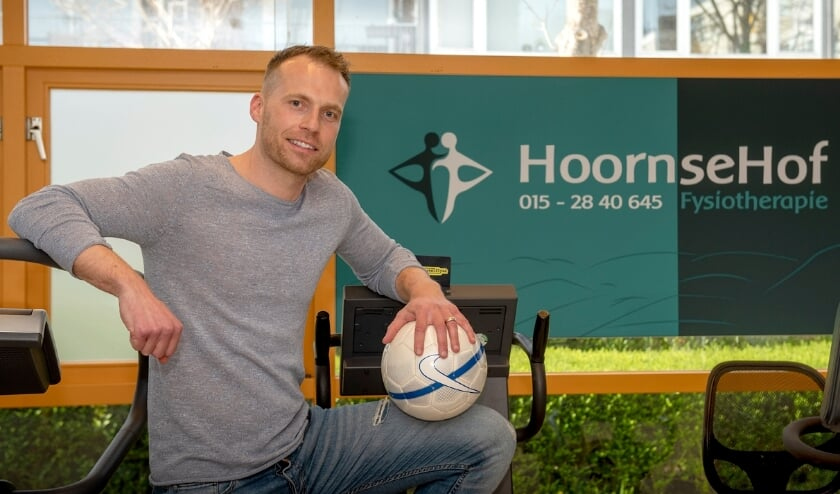 Dion de Lijser is sinds kort de trotse mede-eigenaar van een fysiotherapiepraktijk (foto: Roel van Dorsten)
