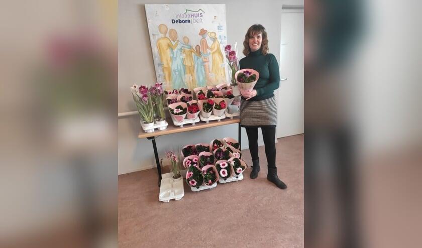 <p>Een vrolijke bloemengroet vanuit Inloophuis Debora! (Foto: PR)&nbsp;&nbsp;</p>