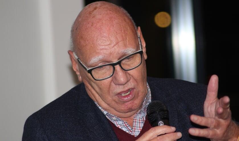 Kees Jansma sprak voor sponsors en voetballers van vv Moerkapelle.