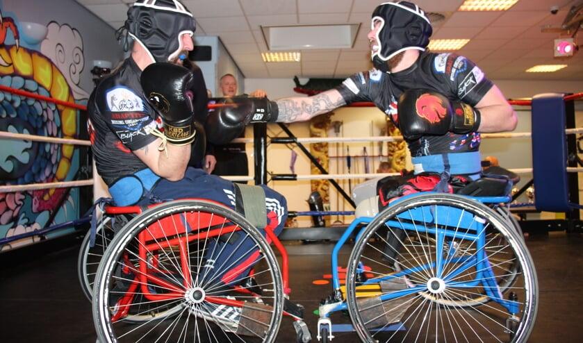 Bij No Limits was een demonstratiepartij van twee Engelse rolstoelboksers te zien.