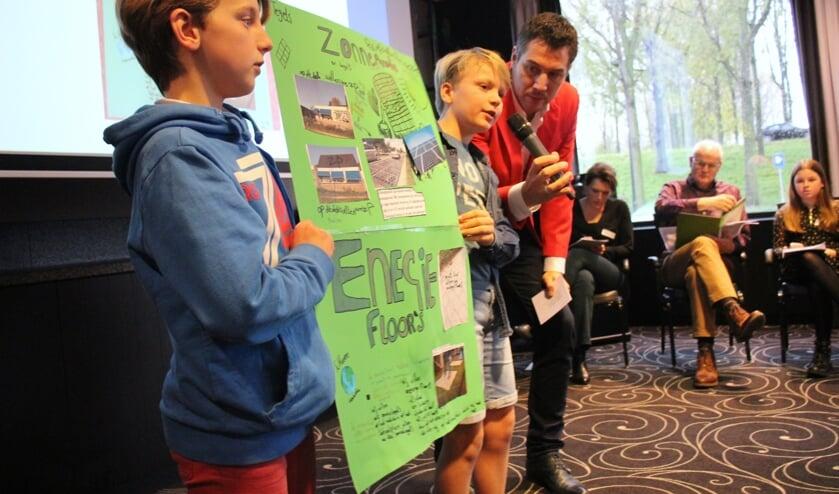De winnende bijdrage van basisschool De Nessevliet: zonnepanelen en een 'energyfloor'. (foto en tekst: Erik van Leeuwen)