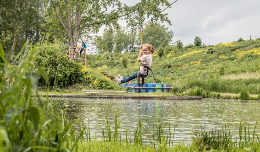 Het park is gevestigd in een prachtige natuurrijke omgeving in  Bergschenhoek.