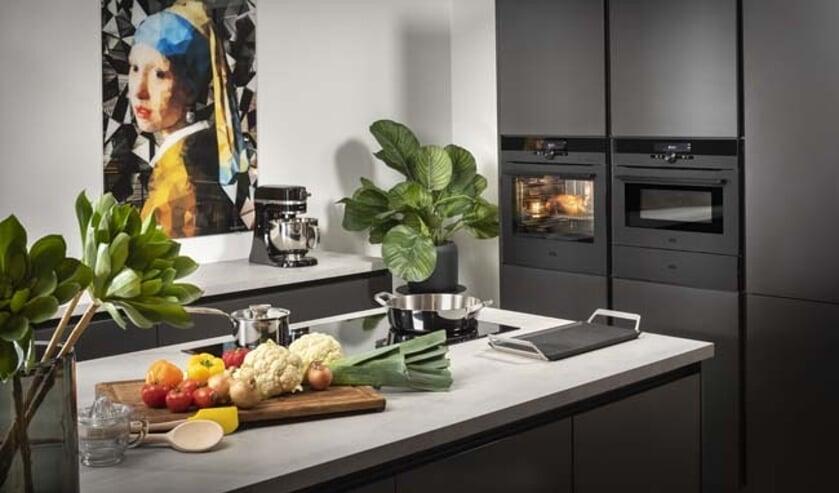 <p>Keukenapparatuur gaat tegenwoordig ook al online, bijvoorbeeld de oven.</p>