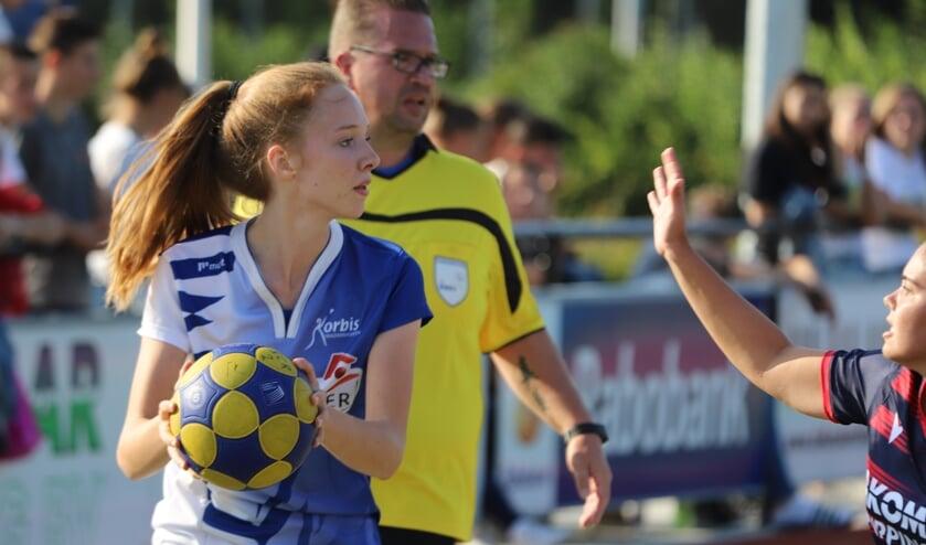 <p>Nina de Kok is &eacute;&eacute;n van de jonge nieuwkomers bij Korbis.</p>