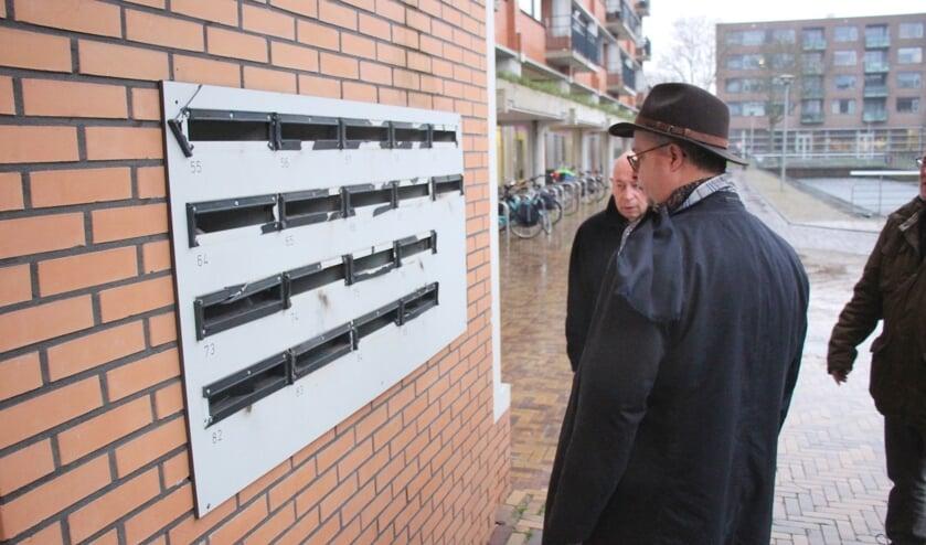 Ook vorig jaar werden brievenbussen door vuurwerk beschaddigd. (foto: archief HvH)