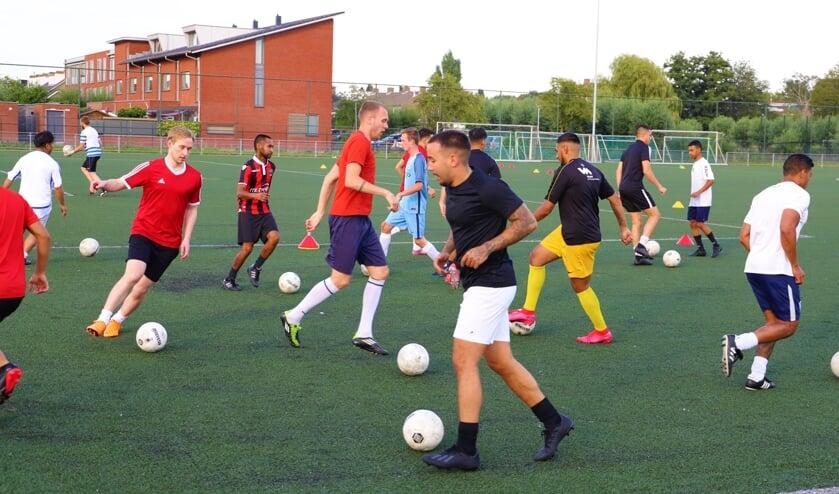 <p>VV Moordrecht gaat, net als in de zomer, weer teamtrainingen organiseren.</p>