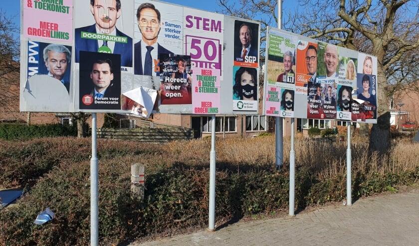 Verkiezingsborden in Moerkapelle.