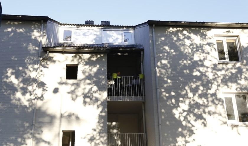 Dode man aangetroffen in appartement aan Parallelweg in Cuijk. (foto's: SK-Media)