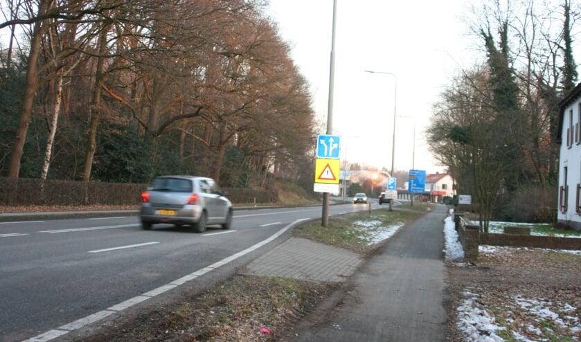 De N271 wordt tussen Mook, Plasmolen en Milsbeek onder handen genomen.