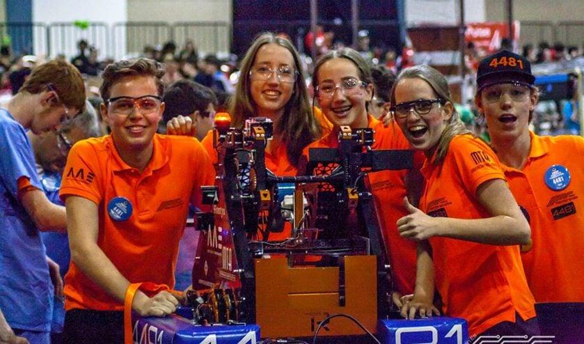 Leerlingen Zwijsen College winnen award beste robot in Florida