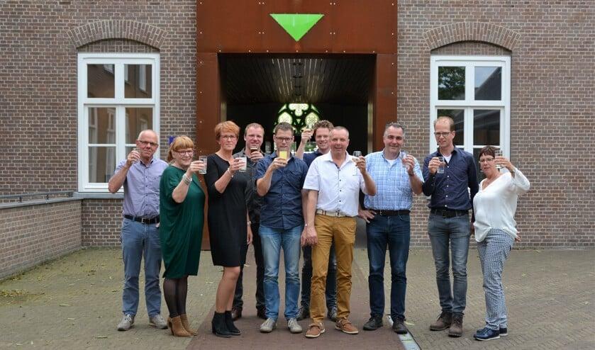 De organisatie en de gouden sponsoren Machinaal Timmerbedrijf van der Linden BV, Rabobank, Eethuis De Reiger, Kleijngeld (Foto: José van den Dungen).