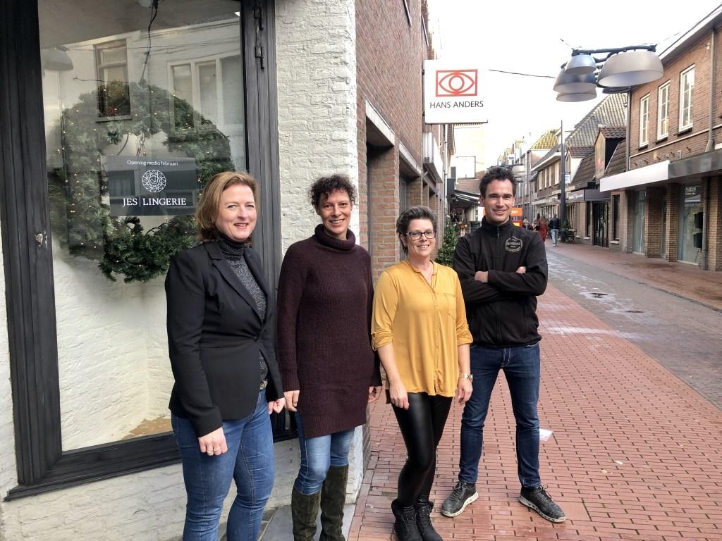 Ambitieuze ondernemers in de Kalverstraat.   © Kliknieuws Veghel
