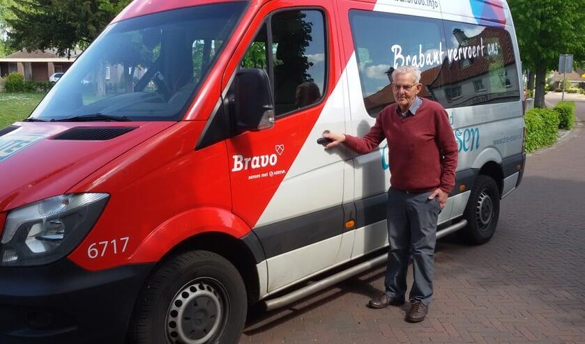 Gerard met 'buurtbuspensioen': 'Hij droeg zijn plezier over aan de reizigers'