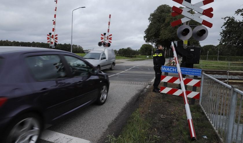 Spoorboom in Vierlingsbeek aan diggelen gereden.