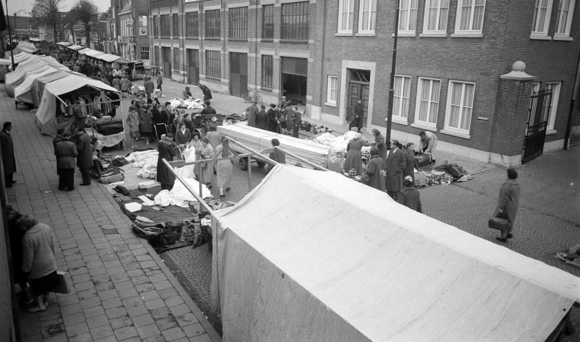 De Osse markt in 1958. Foto Daan Scholte, collectie Stadsarchief Oss