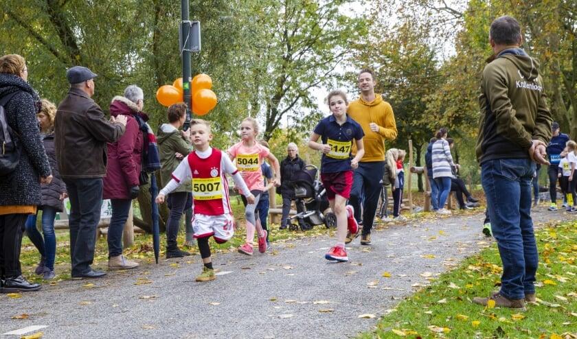 Jong en oud loopt mee tijdens de Krollenloop.