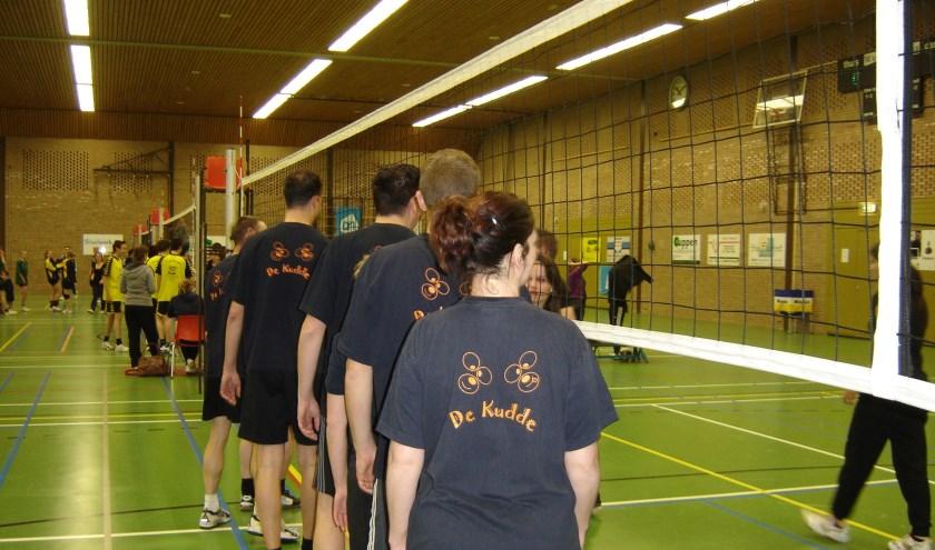 Het jaarlijkse Nachttoernooi van VV Apollo, een mooie traditie in sporthal De Looierij in Mill.