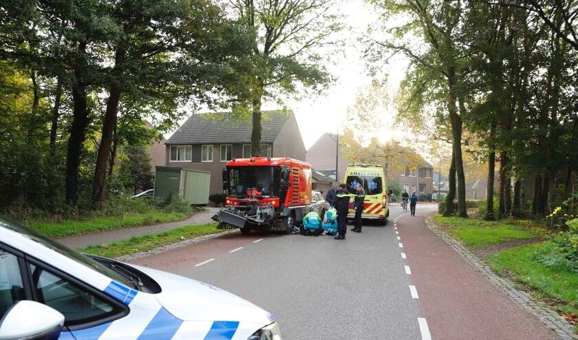 Een meisje kwam onlangs onder een veegwagen in Cuijk en raakte daarbij gewond.