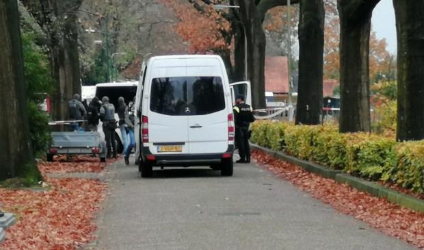 Arrestatieteams in de Hoogheuvelstraat.  © 112 Brabantnieuws