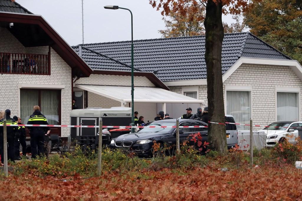 Politieactie in Hoogheuvelstraat. (Foto: Hans van der Poel)  © 112 Brabantnieuws