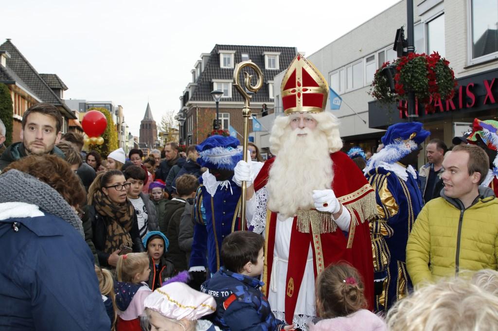 Op zaterdag trok Boxmeer massaal uit om Sinterklaas en zijn gevolg welkom te heten in Nederland. Foto: Bas Delhij © Kliknieuws De Maas Driehoek